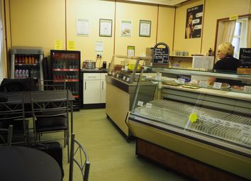 Thumbnail Restaurant/cafe for sale in Cafe & Sandwich Bars HD5, West Yorkshire