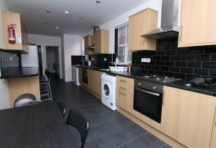 Thumbnail 8 bed terraced house to rent in Kingsway, Coventry