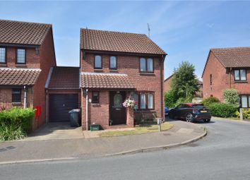 Winchester Close, Thorley, Bishop's Stortford CM23. 3 bed link-detached house