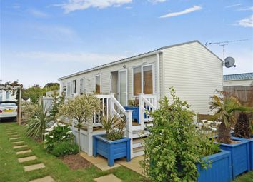Thumbnail 2 bedroom mobile/park home for sale in Lebernham Grove, Birchington, Kent