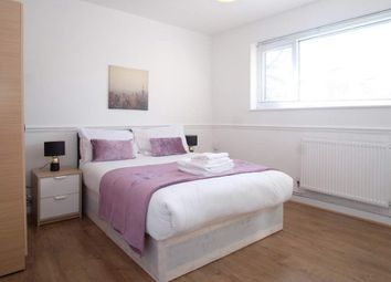 Room to rent in Charles Square Estate, London N1