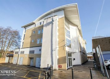 Thumbnail 1 bed flat for sale in Queensmead, Farnborough, Hampshire