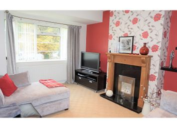 Thumbnail 2 bed flat to rent in Sandringham Crescent, Moortown
