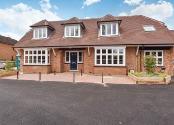 Thumbnail 1 bed flat to rent in Amersham HP6,