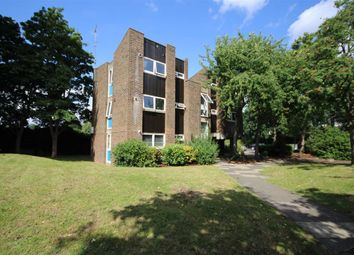 Thumbnail 1 bed flat to rent in Wellesley Road, Twickenham