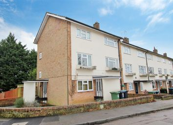 Long Arrotts, Gadebridge, Hemel Hempstead, Hertfordshire HP1. 3 bed flat