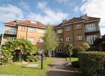 Thumbnail 2 bedroom flat to rent in Etchingham Park Road, Finchley Central