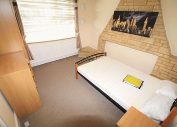 Fully Furnished Double Room To Rent, All Bills Included, Gorse Hill, Whiteman Street SN2. 4 bed shared accommodation