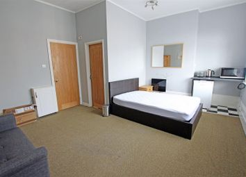 Thumbnail 1 bed flat to rent in Bedford Grove, Eastbourne