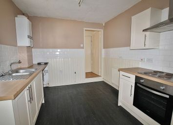 Thumbnail 3 bedroom terraced house to rent in Queens Road, Hull