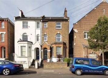 Thumbnail 1 bed flat to rent in Ramsden Road, Balham, London