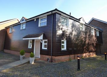 2 bed mews house to rent in Falconer Road, Fleet GU51