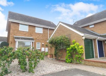 Thumbnail 3 bed detached house for sale in Kingfisher Close, Biggleswade