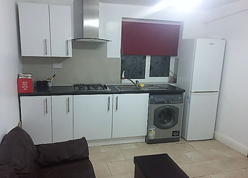 Thumbnail 1 bed flat to rent in Christchurch Rd, London, Colliers Wood