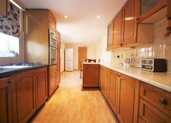 3 bed terraced house to rent in Cranbrook Road, London SE8