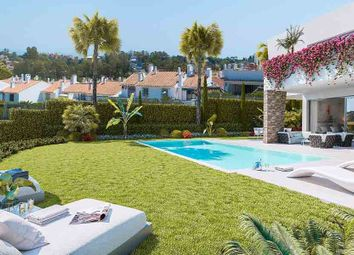 Thumbnail 4 bed villa for sale in Estepona, Estepona, Spain