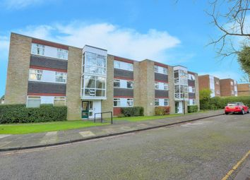 Thumbnail 2 bed flat to rent in Milton Road, Harpenden, Herts