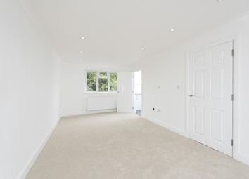 Thumbnail Studio to rent in Heather Gardens, London