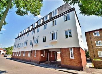 Thumbnail 2 bedroom flat to rent in Lower Brook Street, Winchester