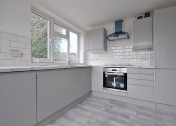 2 bed flat to rent in Holroyd Road, Claygate, Esher KT10