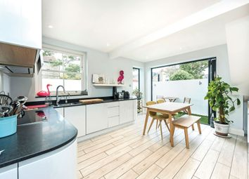 Thumbnail 2 bed flat to rent in Langthorne Street, London