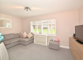Thumbnail 2 bedroom flat for sale in Hillmead, Gossops Green