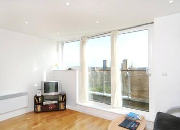 Thumbnail 1 bed flat to rent in Palmers Road, Bethnal Green, London