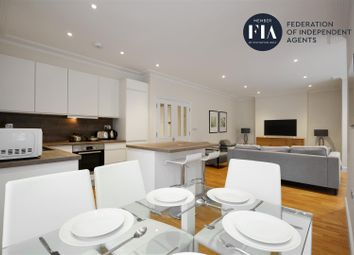 3 bed flat to rent in Hamlet Gardens, London W6