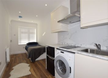 1 bed flat to rent in Valley Drive, London NW9