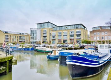 Ferry Quays, Brentford TW8. 2 bed flat for sale