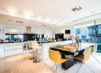 Thumbnail 2 bedroom flat to rent in 41 Millharbour, Canary Wharf