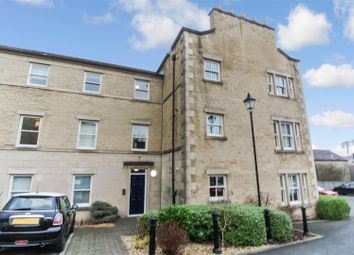 2 bed flat to rent in Henry Street, Lancaster LA1