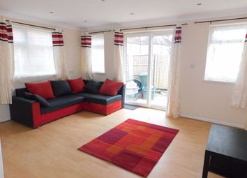 3 bed property to rent in Central Road, Morden SM4