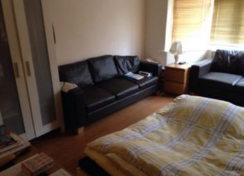 Thumbnail 1 bed flat to rent in Glebe Crescent, Hendon, Hendon Central