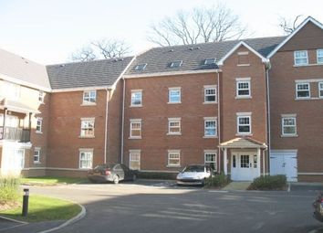 Thumbnail 2 bed flat to rent in Worth Park Avenue, Crawley
