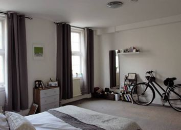 Thumbnail 3 bed flat to rent in Kingsland High Road, London