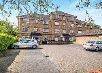 Thumbnail 2 bed flat for sale in Swan Mead, Nash Mills, Hemel Hempstead