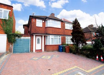 3 bed property to rent in Weston Drive, Stanmore HA7