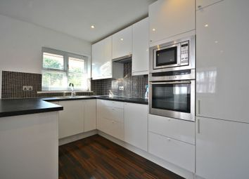 Thumbnail 2 bed flat to rent in Fairway Court, Bracknell