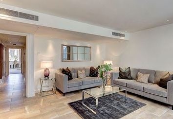 Thumbnail 2 bed flat to rent in Young Street, London