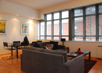 Thumbnail 2 bed flat to rent in City Road, City, London