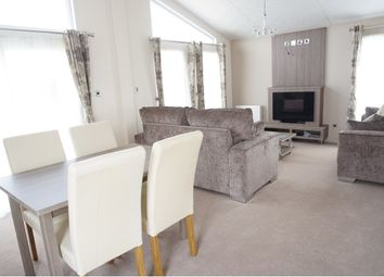 Thumbnail 2 bed mobile/park home for sale in Halfway Road, Minster On Sea