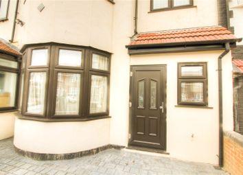 Thumbnail Studio to rent in Ridgeway Gardens, Ilford, Redbridge, Greater London