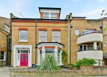 Thumbnail 2 bedroom flat for sale in Gloucester Drive, London