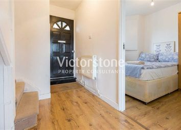 Thumbnail 4 bed flat to rent in Salmon Lane, Limehouse, London