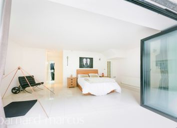 Ladas House, Woodcote Road, Epsom KT18. 2 bed flat