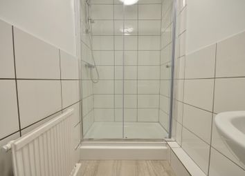 Thumbnail 2 bed flat to rent in High Street, Rickmansworth, Hertfordshire