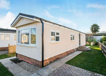 Thumbnail 2 bed mobile/park home for sale in Western Avenue, Chertsey