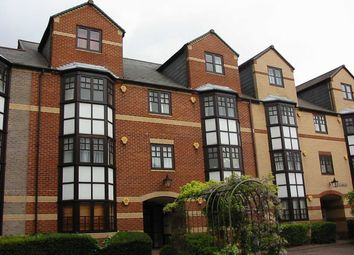 Thumbnail 2 bedroom flat to rent in Maltings Place, Holybrook, Reading