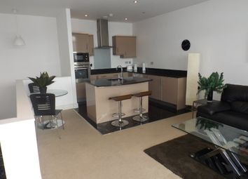 2 bed flat to rent in Wollaton Street, Nottingham NG1